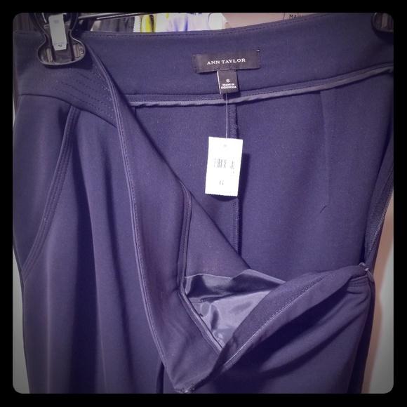 Ann Taylor Dresses & Skirts - NEW Ann Taylor navy blue skirt,  size 6